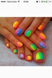 amazing rainbow nail art design