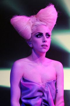 15 Interesting Lady Gaga Hairstyles  Pretty Designs