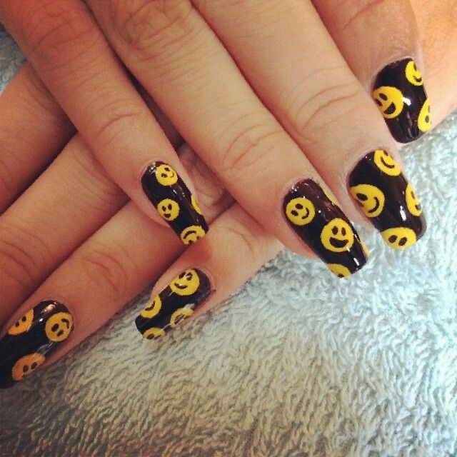 13 Super Cute Happy Face Nail Designs  Pretty Designs