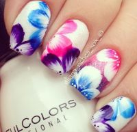 Nail Designs: Why Not Put Flowers on Nails - Pretty Designs