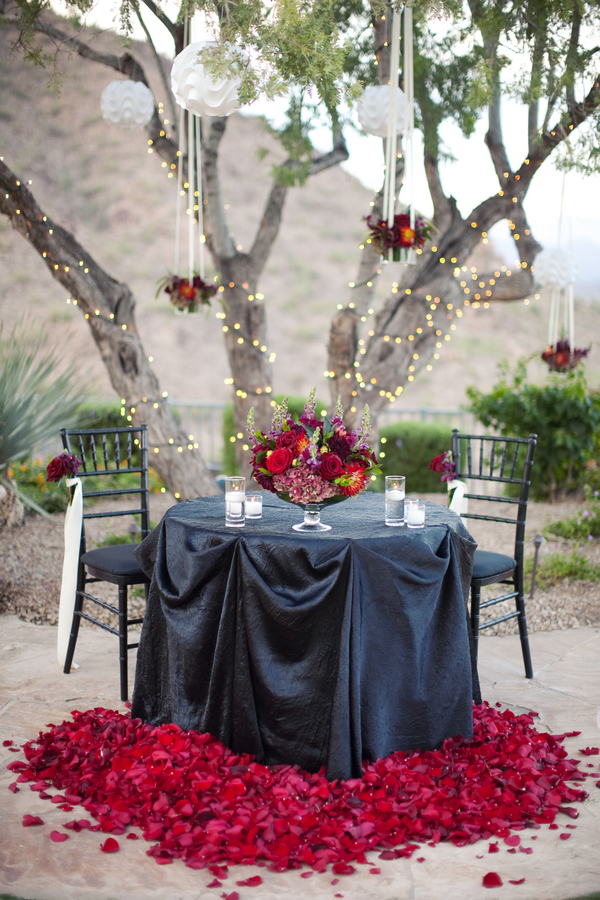 12 Romantic Ways to Set an Outdoor Table  Pretty Designs