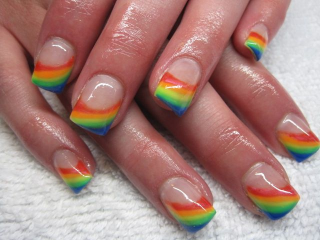 19 Amazing Rainbow Nail Art Designs