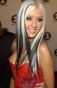 16 Fantastic Christina Aguilera Hairstyles - Pretty Designs
