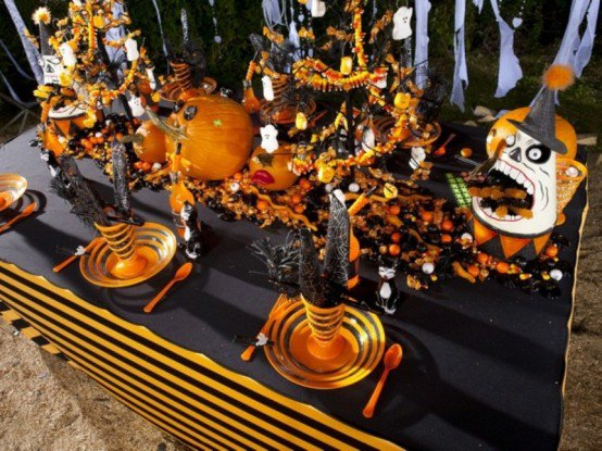 Table Decorating Ideas For Halloween Pretty Designs