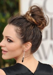 beautiful messy high bun hairstyles