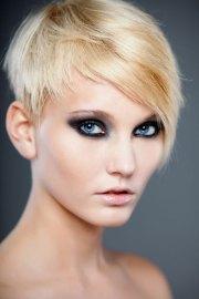 pretty pixie haircuts women