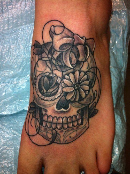 15 foot tattoo design women