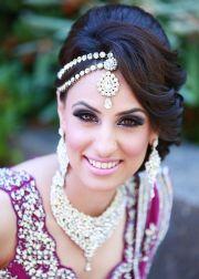 glamorous indian wedding hairstyles