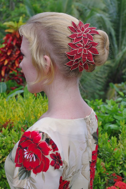 25 Wonderful Hairstyle Ideas For Christmas And Holidays
