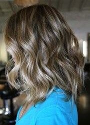 trendiest medium wavy hairstyles