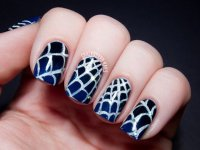 25 Horrifying Halloween Nail Designs