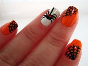 horrifying halloween nail design