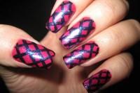 20 Alluring Fishnet Nail Designs - Pretty Designs