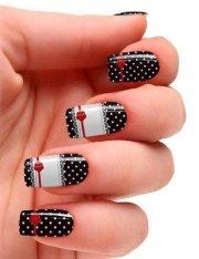 lovely polka dot nail design
