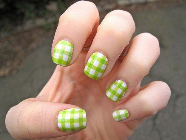 20 Classy Plaid Nail Design Ideas