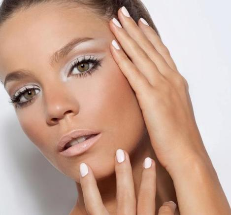 how-to-pull-off-white-eyeshadow