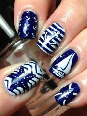 nautical themed nail arts