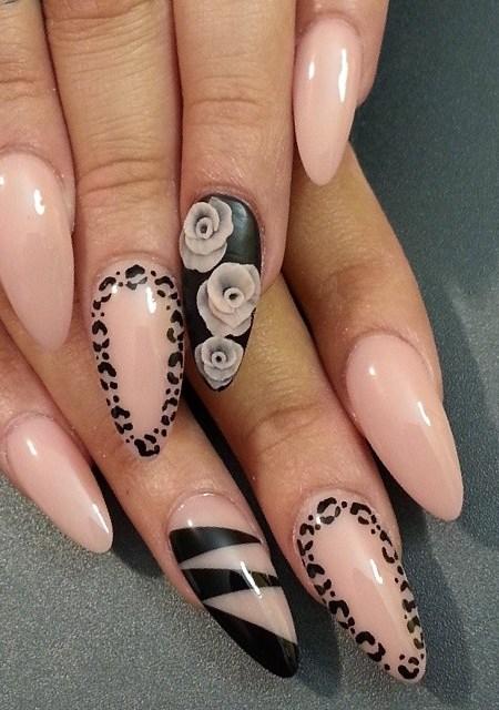 floral-beige-nails via