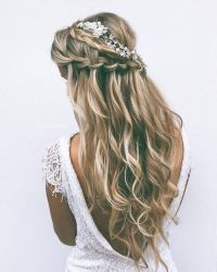 20 Ideas to Style Wedding Hairstyles for Fall - Pretty Designs