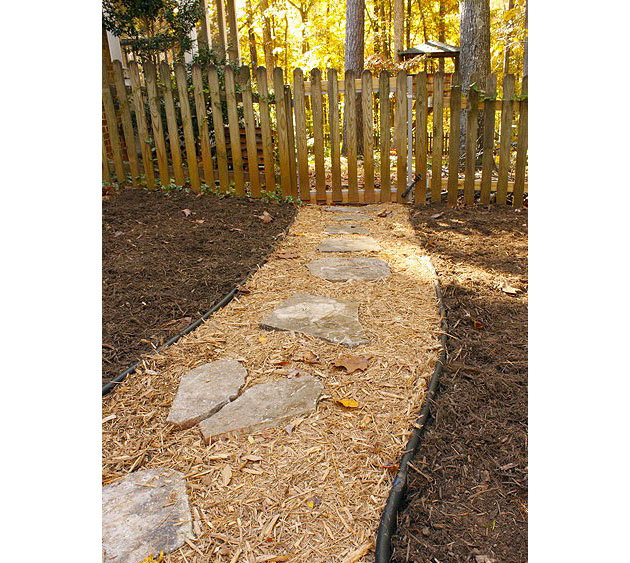 Stone and mulch pathway