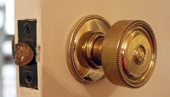 4 Ways to Remove Paint from Metal Hinges (& other door hardware ...
