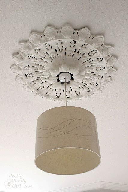 ceiling_medallion_beige_drumshade