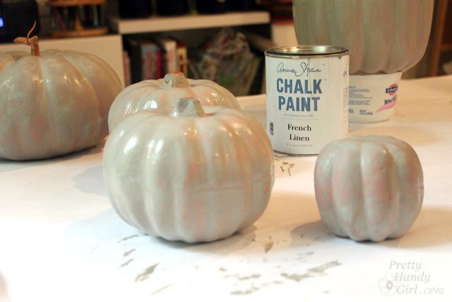 paint-pumpkins-french-linen