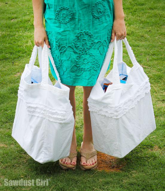 Reversible Tote Bag Tutorial by Sawdust Girl | Pretty Handy Girl