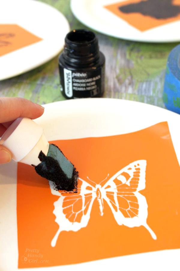 Pen and Ink Sketch Decorative Dessert Plates | Pretty Handy Girl