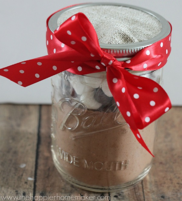 Hostess Gift Ideas - Hot Cocoa Mix in a Jar