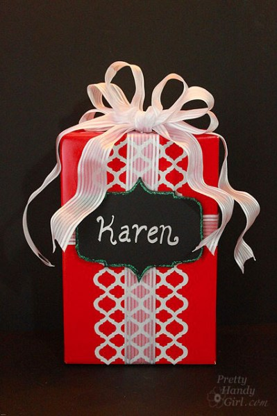 Red and White Graphic Gift Wrap