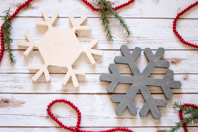 clever diy holiday decor - snowflake trivets