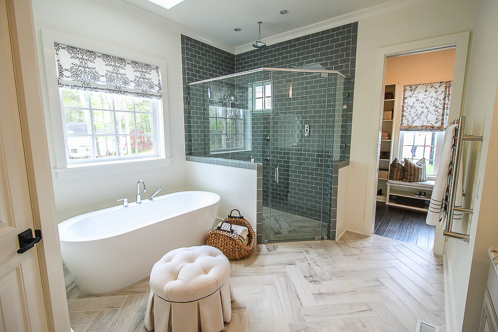 DIY Ways to Decorate Your Bathroom for Function and Beauty & 12 Inexpensive Ways to Decorate Your Bathroom - Pretty Handy Girl