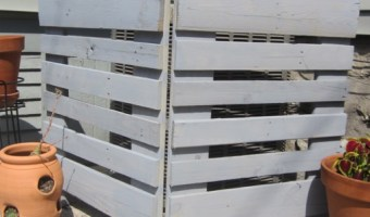 How to Make an Air Conditioner Screen from Pallets