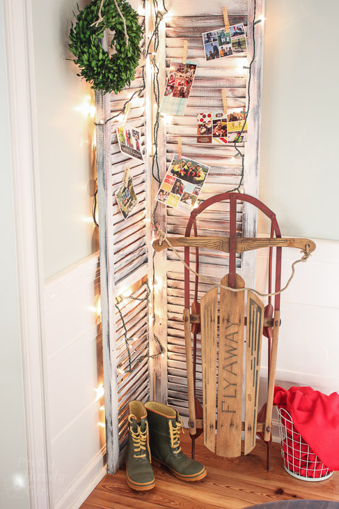 shutters-display-christmas-cards