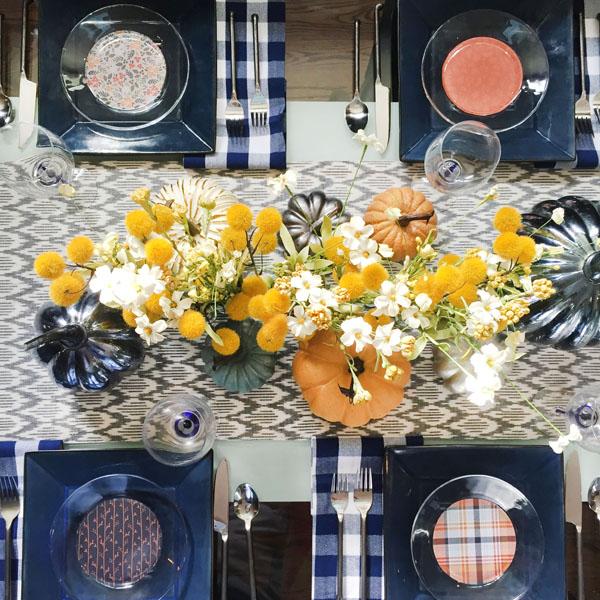 Blue i Style - ThanksgivingTableSquare