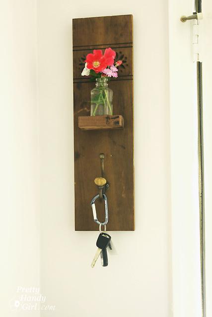reclaimed-wood-wall-hook-vase-sconce