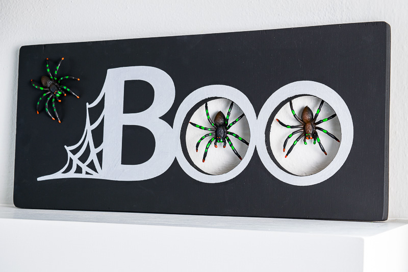 This spooky spider Halloween sign is the perfect decoration for your mantel!