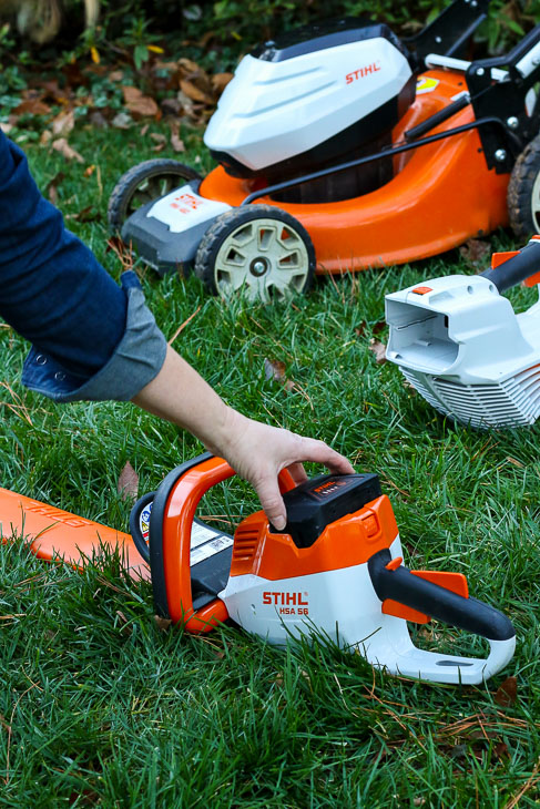 battery powered STIHL yard tools all run on same battery