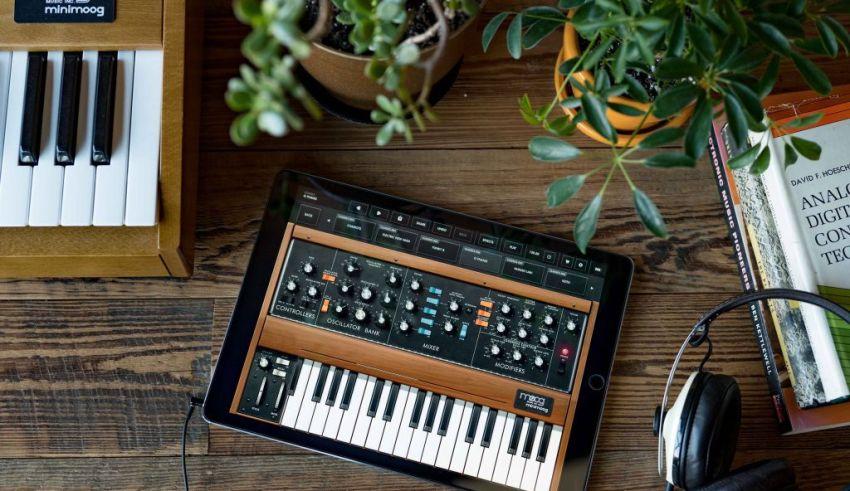 Moog | (c) Moog Synthesizers