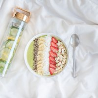 Smoothie Bowls & Detox Waters