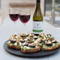 Pairing Pinot Noir with Fig & Pistachio Toasts