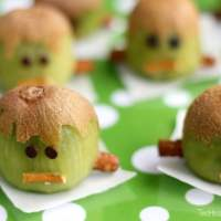 12 Healthy Halloween Snack Ideas