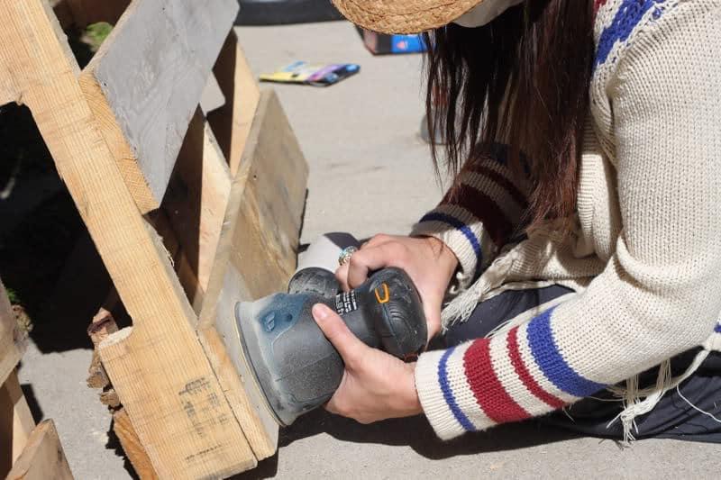 Lijar la madera de palets