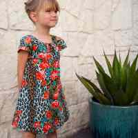 Easy Summer MuuMuu: House-dress Tutorial and Free Pattern.