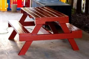 This kid's picnic table was made from a single pallet! I bet my nephew would be happy if I choose this project!