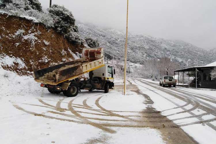 Χιόνια και στα ορεινά της Πρέβεζας – Χωρίς προβλήματα η κυκλοφορία των οχημάτων_5e0692d39592e.jpeg