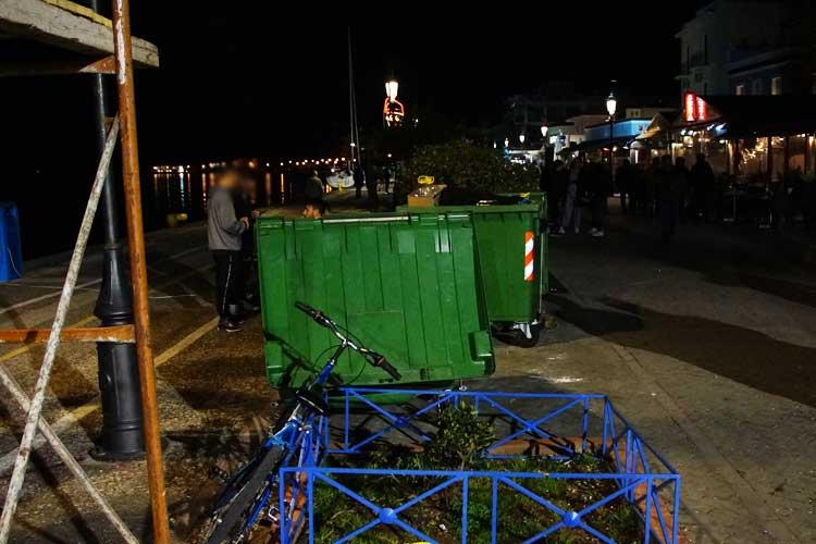 Επιτέλους γίνεται – Απομακρύνονται οι κάδοι απορριμμάτων από την παραλία της Πρέβεζας, λόγω καρναβαλικών παρελάσεων_5e0686cb9020d.jpeg