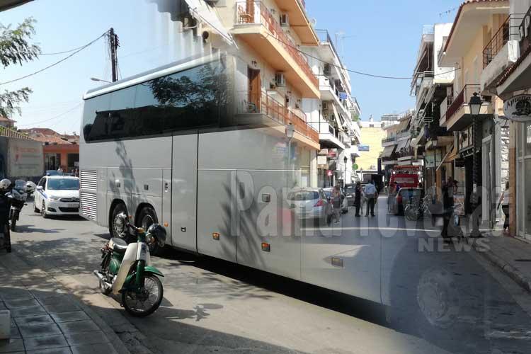 Για μια πινακίδα: Ο Γολγοθάς ενός λεωφορείου στους δρόμους της Πρέβεζας_5e050311c2213.jpeg