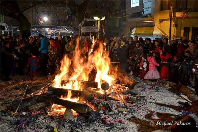 Ιωάννινα: Το έθιμο της Τζαμάλας και οι εβδομήντα φωτιές_5e0686f34530e.jpeg
